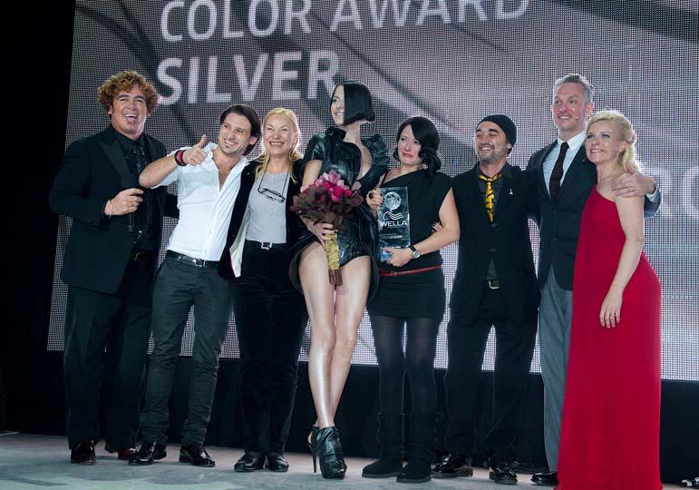 România este pe podium. Argint la concursul ITVA de la New York, câștigătoare Alina Iulia Călin, asistată de Septimiu Zavate